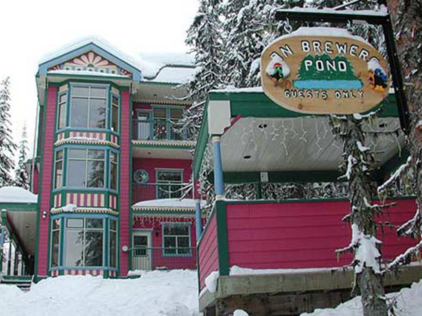 Silver Star Stays - On Brewer's Pond