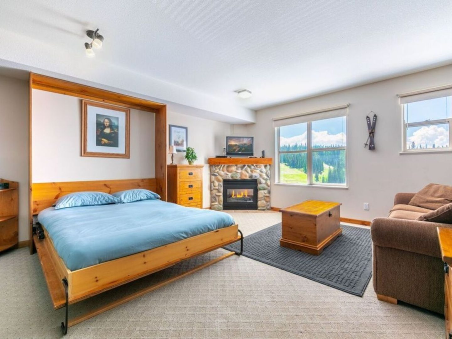 Silver Star Stays - Queen View