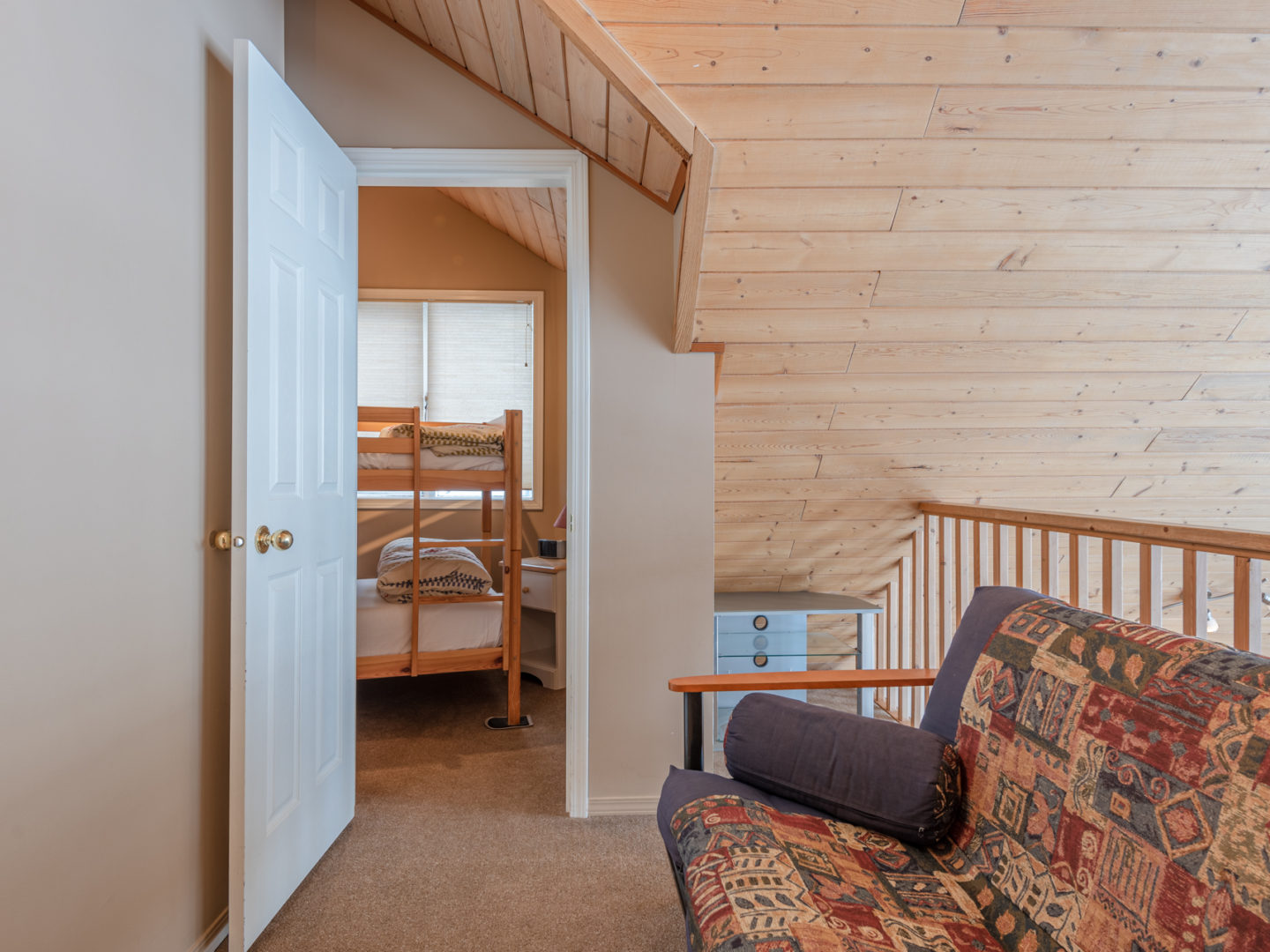 Silver Star Stays - Skimore Chalet