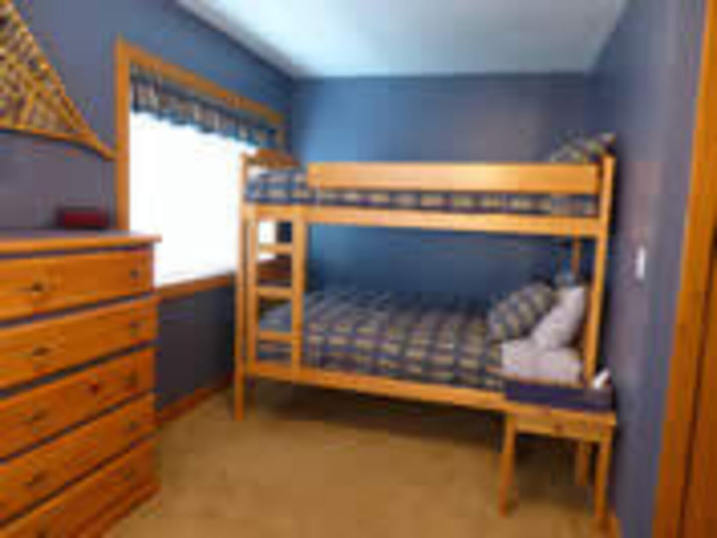 Silver Star Stays - Mountain View Chalet